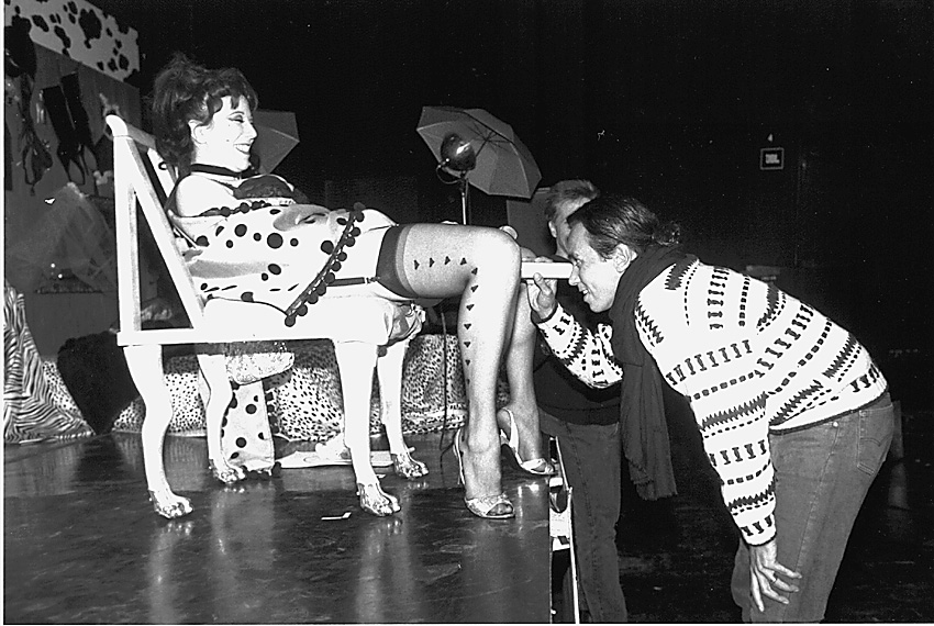 The public cervix announcement (1991) performance di Annie Sprinkle