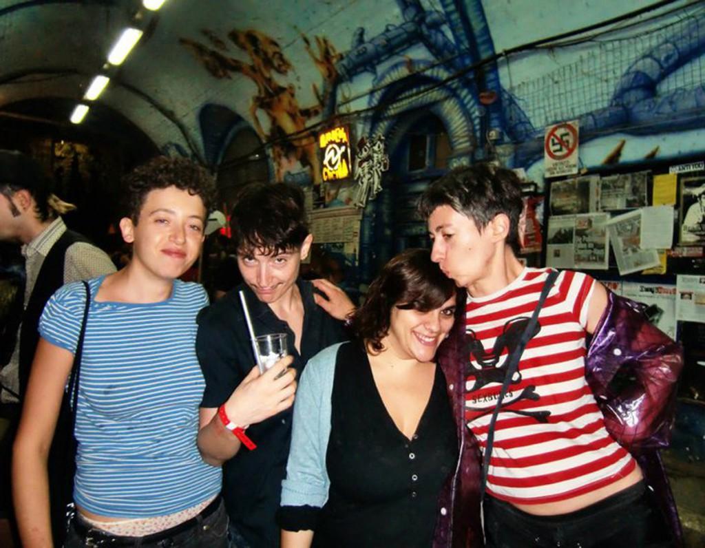 sorelle nel tunnel (Crack 2012)